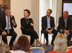 Podiumsdiskussion beim Apartment Camp: Die Themen Sharing Economy, Generation Y und Big Data standen im Fokus