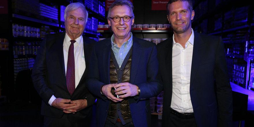 In Berlin angekommen: (von links) Günter Titius, Bernd Singalla und Oliver Titius auf dem VIP-Event vor der Eröffnung.