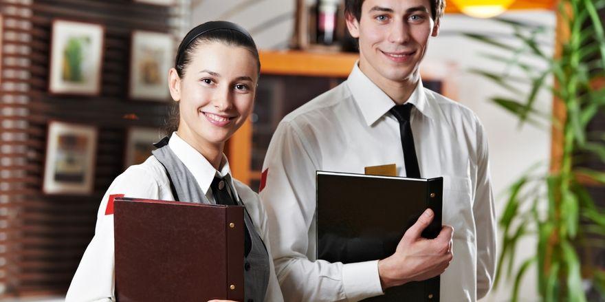 Ins Gastgewerbe hineinschnuppern: Beim Schnuppercamp in Leukerbad können Jugendliche die Arbeitswelt der Branche kennen lernen