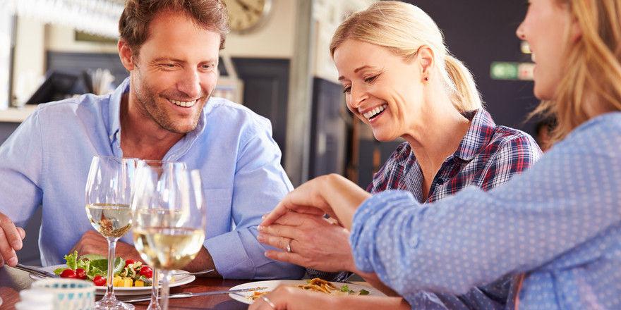 Dating und Geselligkeit bei der Arbeit