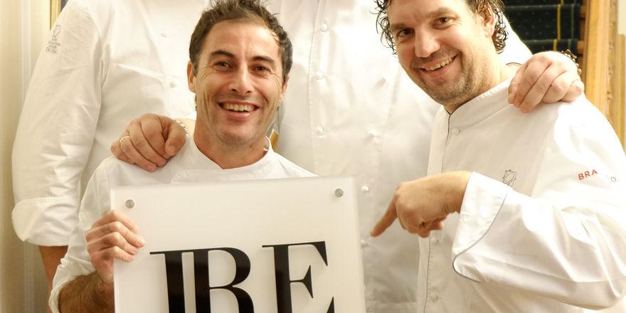 Neuer Europa-Vorstand der Jeunes Restaurateurs mit neuem Logo: Daniel Lehmann und Alexander Dressel (hinten v.l.) sowie Ernesto Iaccarino und Thorsten Probost (vorne v.l.)