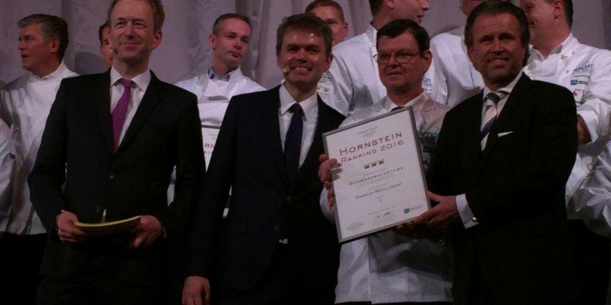 Weiterhin an der Spitze: Harald Wohlfahrt (Zweiter von rechts) mit (von links) Moderator Martin Seidler, Joachim Eckert und Thomas Schreiner