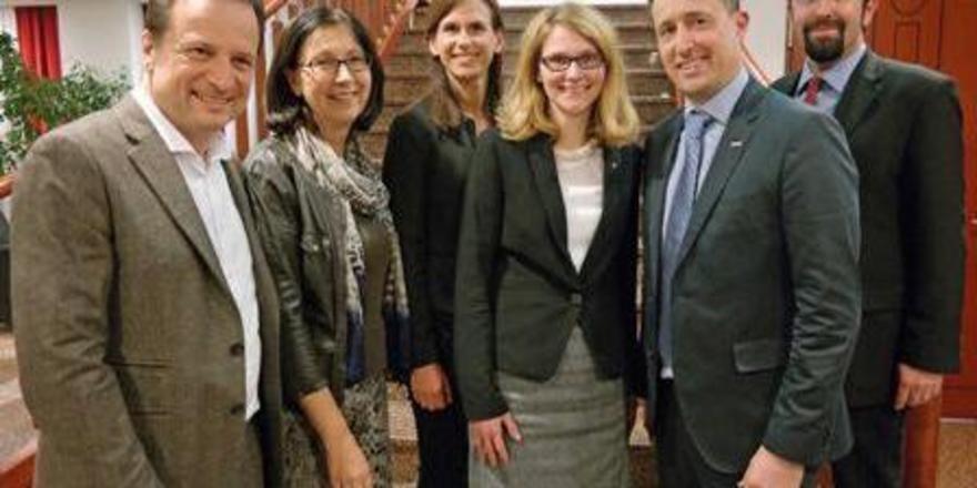 Tauschten sich aus: (von links) Martin Lachout, Dr. Renate Wimmer, Dr. Barbara Winkler, Sabine Rothenschlager und Kommerzialrat Markus Grießler