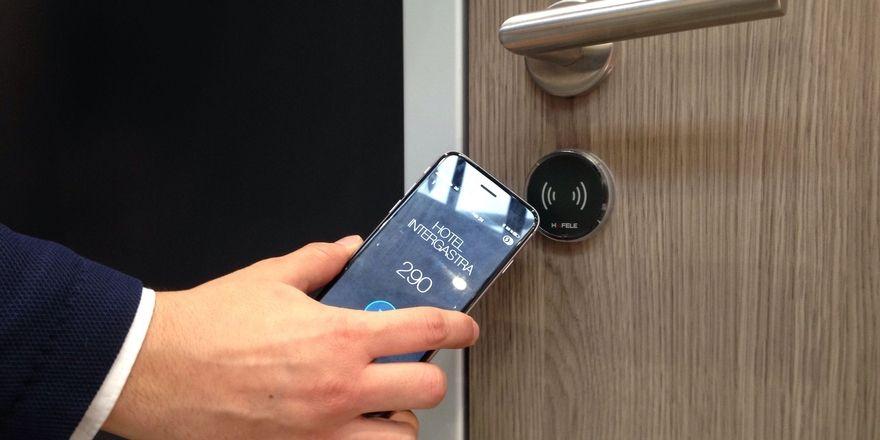 Türöffnen per Smartphone: Das Hotelbird-System wurde unter anderem bei der Intergastra präsentiert