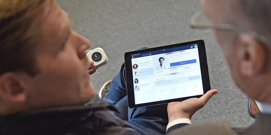 Neuer Service: Mit HRS Smarthotel können Reisende mobil im Hotel einchecken