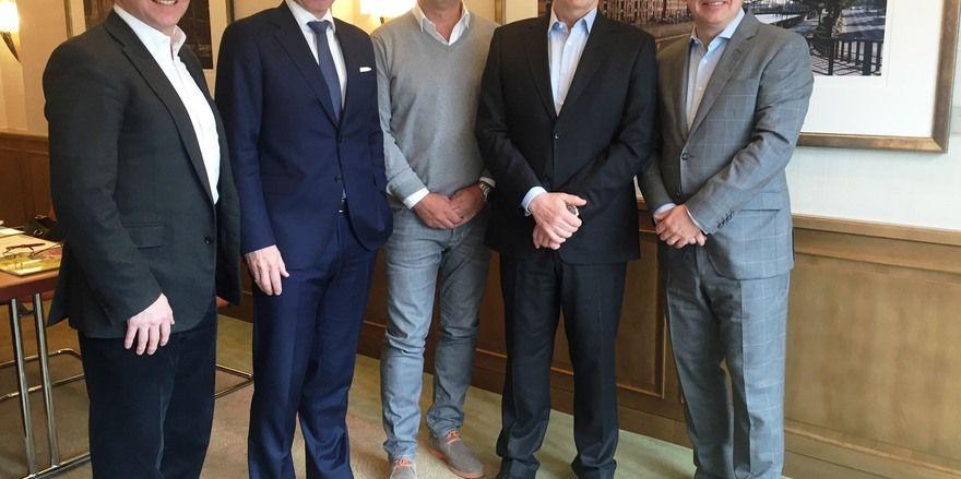 Neuer Vorstand: Vorsitzender Thomas Hirschberger (rechts) mit seinem Stellvertreter Stephan von Bülow (Zweiter ovn links), Schatzmeister Christoph Wefers (Zweiter von rechts) und Urs Bischof (links).