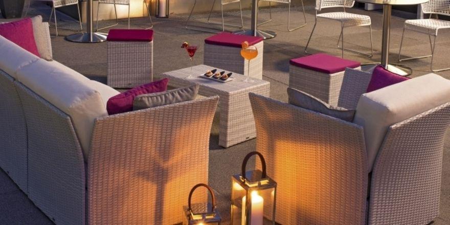 Loungen im Freien: Auch auf der Terrasse kommt es auf die Atmosphäre an.