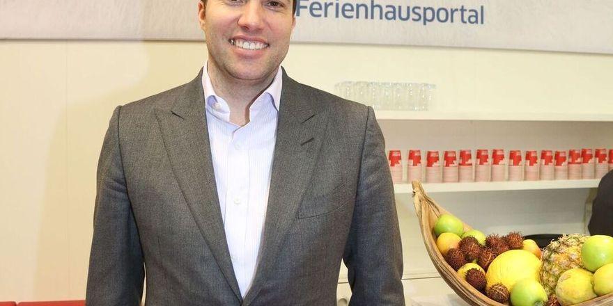 Den Ferienhausmarkt im Visier: HRS-Chef Tobias Ragge stand auf der ITB Rede und Antwort