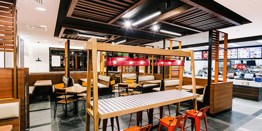 Burger king startet restaurant in neuem design for Gastronomie innenarchitektur