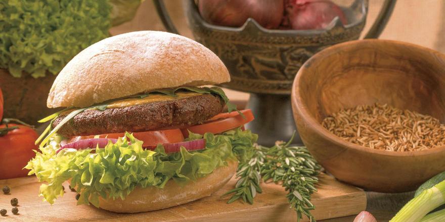 Wuseliges Getier: Aus einer ordentlichen Portion Würmer wird ein Burger-Pattie mit viel Protein.