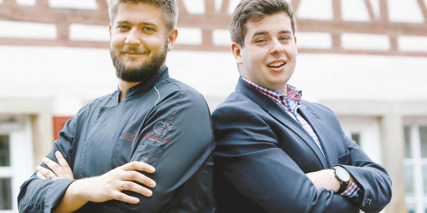 Teilen sich die Aufgaben: Sternekoch Benjamin Maerz (links) und Bruder Christian Maerz, der für Service, Beratung und Marketing zuständig ist.