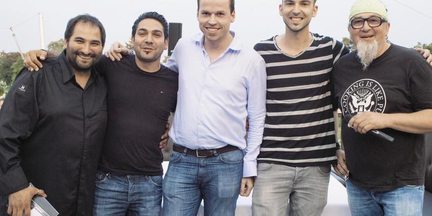 Teilnehmer der Sonnentafel-Talkrunde: (von links) Metin Calis, Serkan Güzelcoban, Tristan Brand, Robert Rädel und Stefan Marquard.