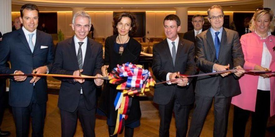 Feierlich: Der Start des Frankfurter Luxushotels