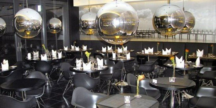 Dezenter Luxus in Schwarz - ahgz
