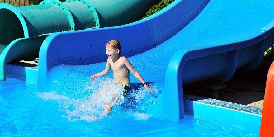 Hoch im Kurs: Für die 5- bis 11-Jährigen Urlauber sind Wasserrutschen besonders interessant