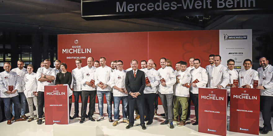 Soeben ausgezeichnet: Sterneköche bei der Michelin-Gala in Berlin. Der Guide hatte erstmals zu einer Abendveranstaltung im großen Stil geladen.