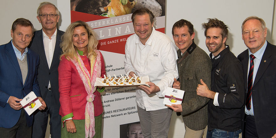 """Stellen den Lehrplan für die neue """"Meisterklasse Kulinarik"""" vor: (von links) Hans Scharfetter, Leo Wörndl, Maria Wiesinger, Andreas Döllerer, Josef Steffner, Vitus Winkler und Fritz Zettinig."""