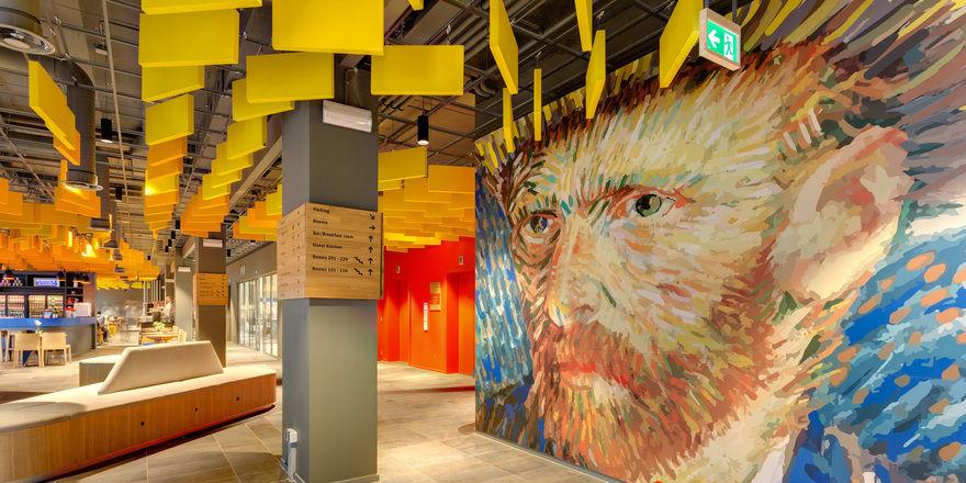 Vorbild Van Gogh: Die Kunst an den Wänden ist den Werken des Malers nachempfunden.