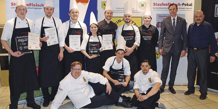 Teilnehmer, Sieger und Offizielle des 4. Staufenfleisch-Pokals. Links: Gewinner Jörg Ebermann