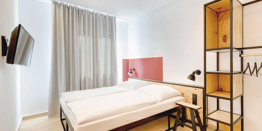 """Klares Design: Das Hotelmotto """"Art in Progress"""" spiegelt sich auch in den Zimmern wider."""