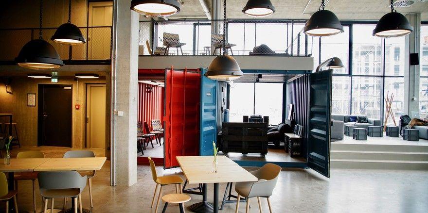 Container als Teil des Designs: Auch in der Lobby sind sie präsent