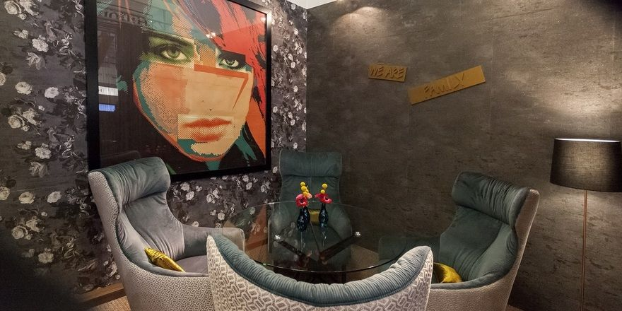 Stylish: Eine Sitzecke in der Lobby