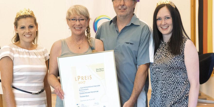 Die Sieger-Gastronomen: Ellen und Heribert Dapper von der Weinstube Nieder-Olm.