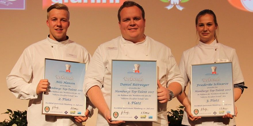 Hamburger Talente: Sieger Daniel Rittweger (Mitte) mit Nils Hansen (2. Platz) und Friederike Schwarze (3. Platz)