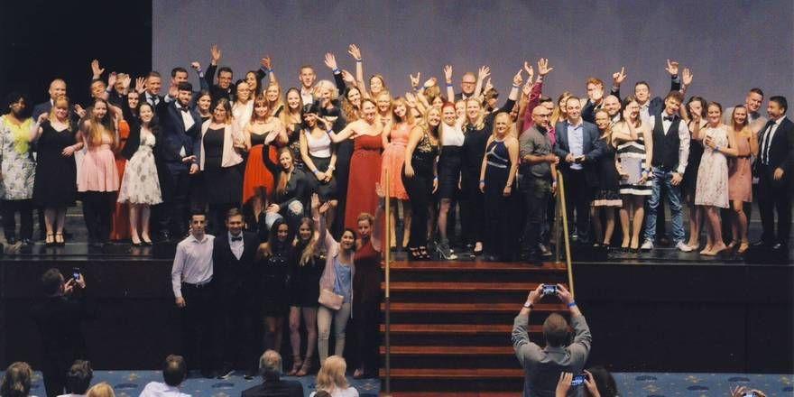 Sie haben es geschafft: Die Absolventen bei der Lossprechung in Köln