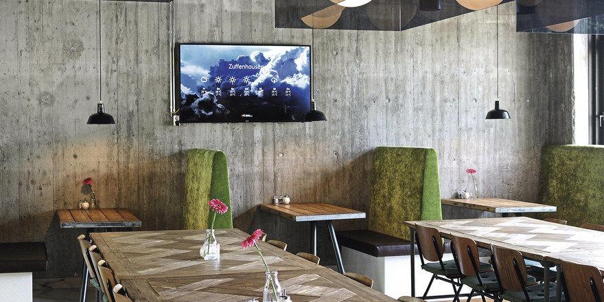 Praktisch: Fernsehgeräte werden zu vielseitig einsetzbaren digitalen Kommunikationskanälen im Hotel.