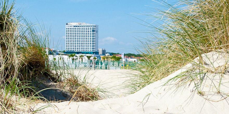 DSR versilbert Immobilien: Hotel Neptun in Warnemünde
