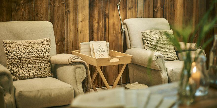 Neu an der Ostsee: Das Barefoot Spa, hier eine Sitzecke