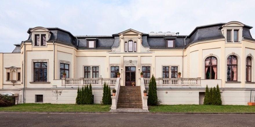 Schlosshotel Breitenfeld: Strategisch günstige Lage zwischen Leipzig Innenstadt und Flughafen