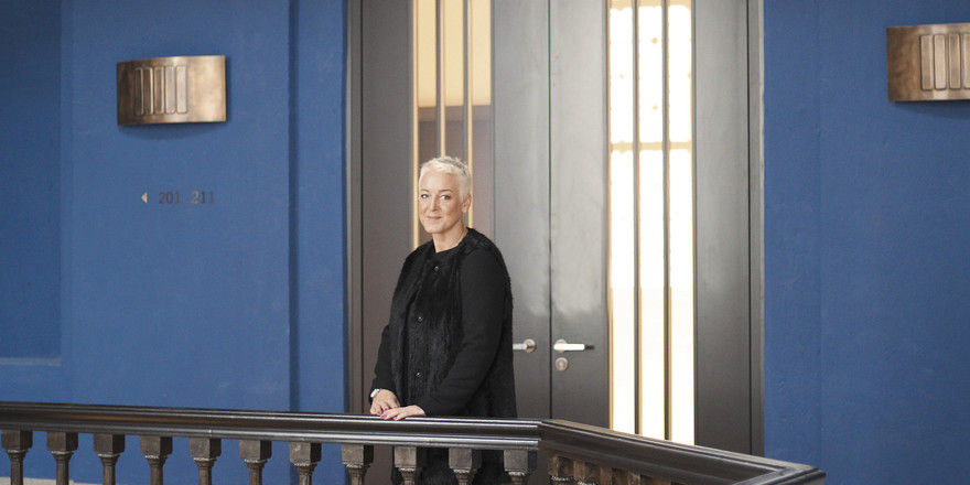 General Manager: Larissa Beuleke.