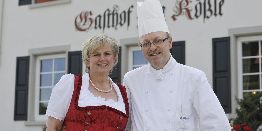 Andrea und Xaver Wolfsteiner: Die Inhaber werden Mitarbeiter beim Edel-Gasthaus