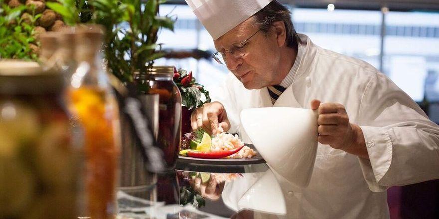 Klaus Böhler: Der peisgekrönte Koch verabschiedet sich nach vier Jahrzehnten