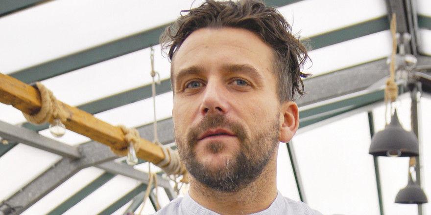 Leidenschaftlicher Gastronom: Robert Thömmes kann auf seinem Restaurantschiff Otto's bis zu 160 Gäste empfangen. Eigentlich ist er gelernter Schiffsschlosser.