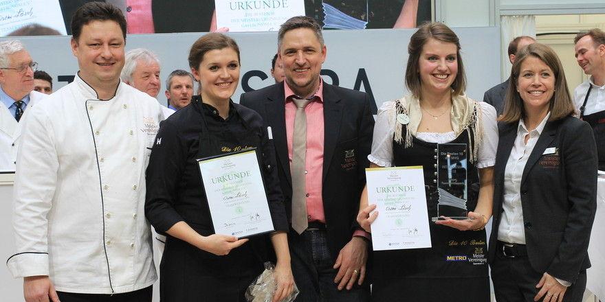 Ehrung des Siegerteams: (von links) Uwe Staiger, MVG, Köchin Rosina Ostler, Wettbewerbsorganisator Alexander Munz, MVG, Hofa Franziska Lösch und Nicole Domon, Service-Jury