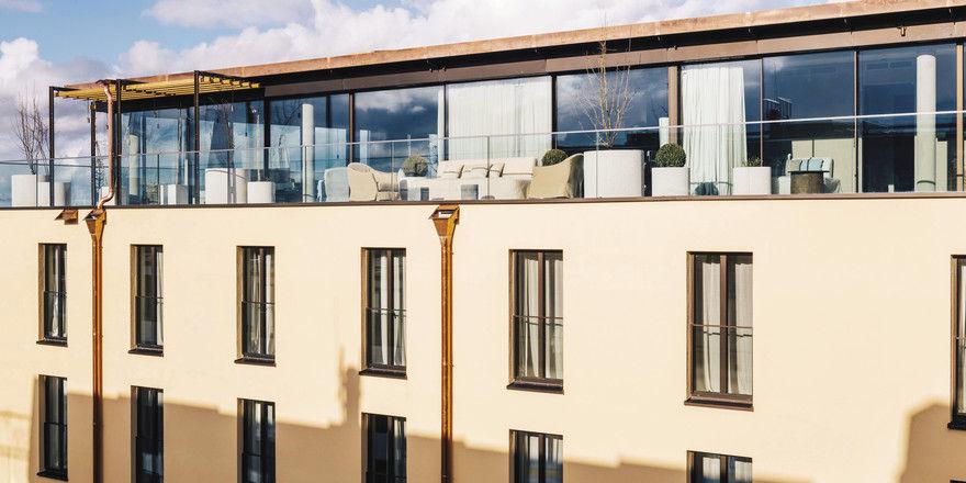 bayerischer hof er ffnet mega suite allgemeine hotel. Black Bedroom Furniture Sets. Home Design Ideas