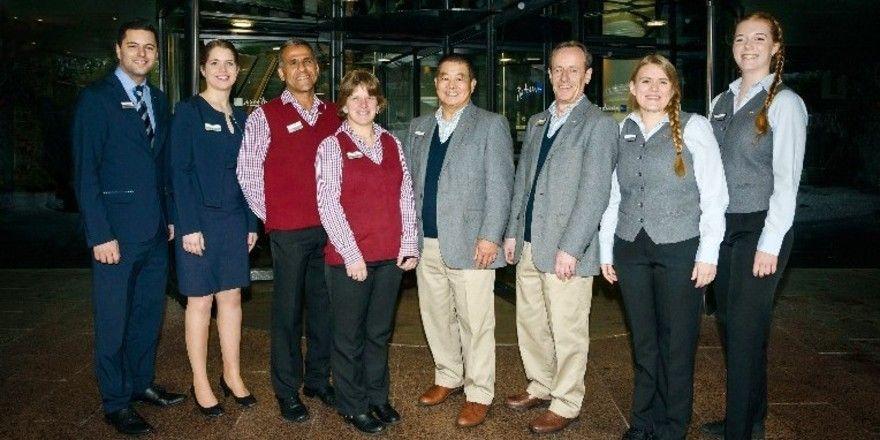Radisson Blu: Das Hamburger Team mit neuem Outfit