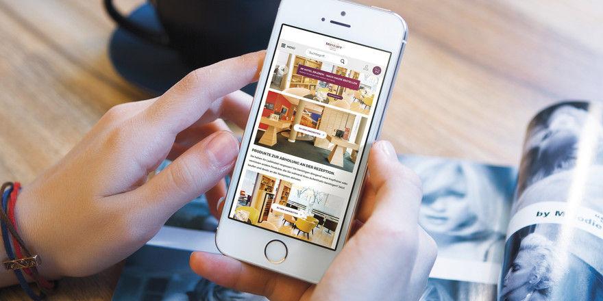 Den Gast im Hotel abholen: Das ermöglichen beispielsweise pfiffige Verkaufstools wie Hotelshop.one, hier in Form einer App.