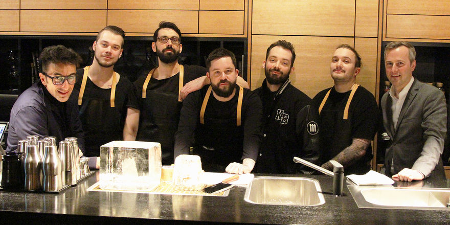 Die Crew der Black Dog Bar: (von links) Radu Rosetti (Betreiber Black Dog Bar), Dominik Andes (Bartender), Mathias Noori (Barmanager), Michael Jaeckel (Headbartender), René Soffner (Betreiber Black Dog Bar), Joshua Wesemer (Bartender), Wolfgang Selinger
