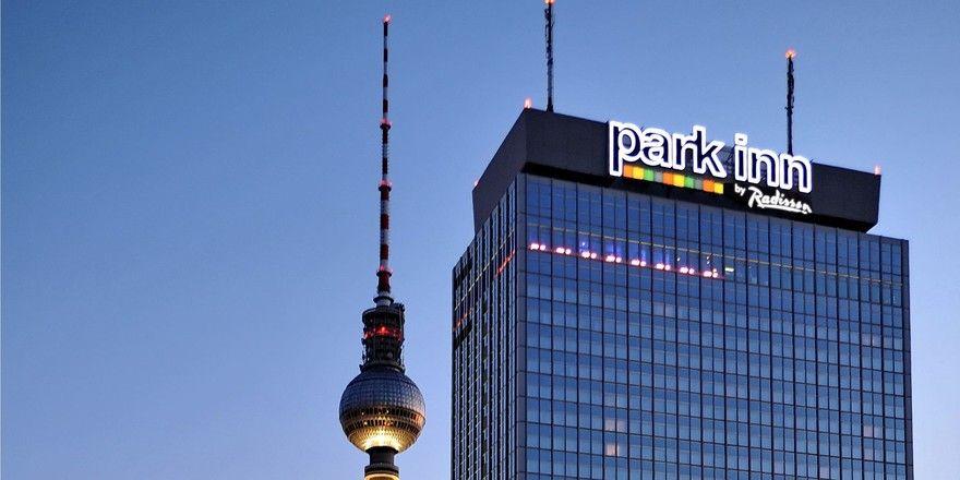 Umbau in luftigen Höhen: 16 Suiten mit exklusivem Ausblick entstehen in der 37. Etage des Park Inn by Radisson