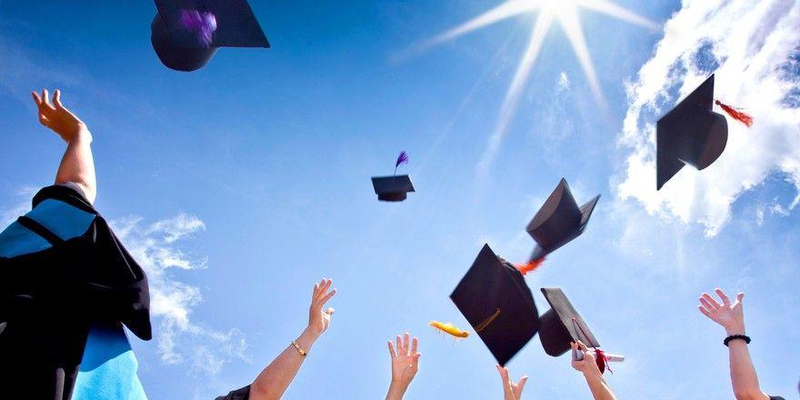 Die Karriere beflügeln: Eine renommierte Uni kann viel dazu beitragen