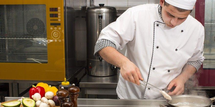 Große Herausforderung: Die Ausbildung in der Küche ziehen nicht alle durch