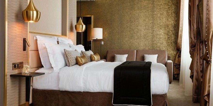 Schlicht aber elegant: Ein Zimmer im neuen Niepce Paris Hotel der Marke Curio von Hilton
