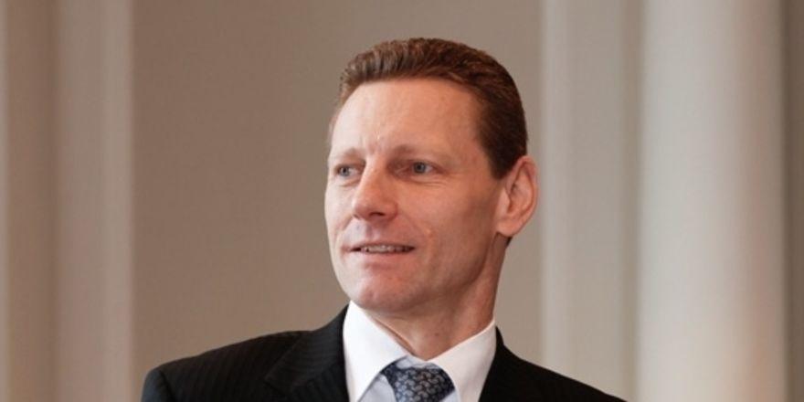 Frank Hörl wechselt zur Azure Hotel Property Group - Allgemeine ...