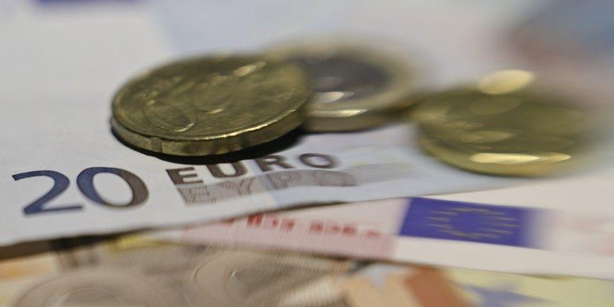 Gestaffelte und höhere Sonderzahlungen: Darüber dürfen sich Arbeitnehmer in Berlin freuen.