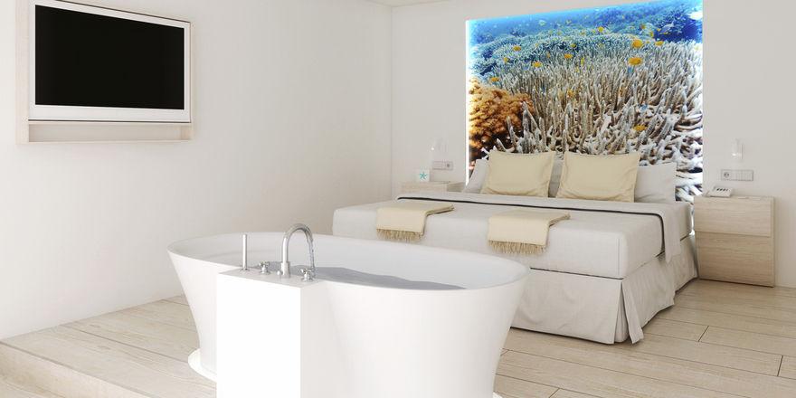 Mit freistehender Badewanne: Eine erneuerte Suite im Iberostar Fuerteventura Palace