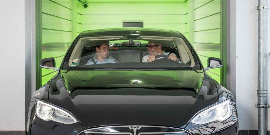 Per Auto ins Zimmer: Damit wirbt die Carloft Delevopment GmbH